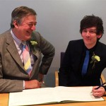 Stephen Fry ties the knot