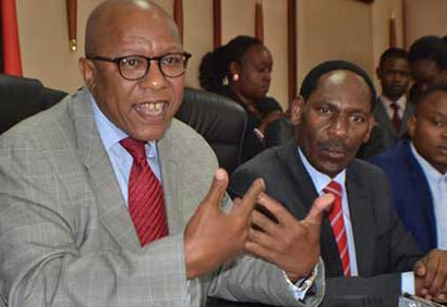 FBP CEO Themba Wakashe (left) CEO Ezekiel Mutua (centre) Pic: Standard Media